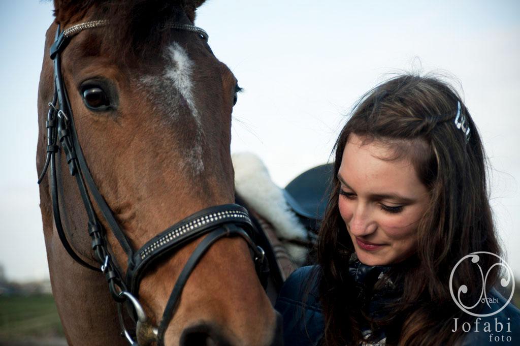 Sept 23 Meisje en paard